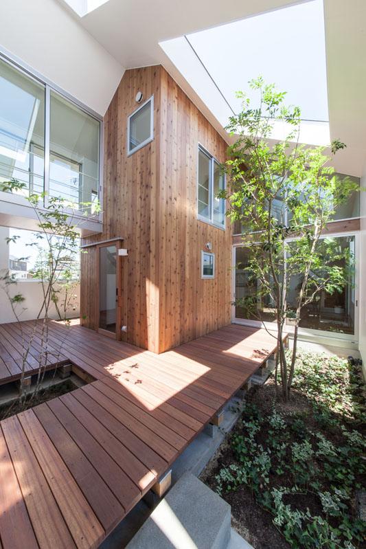 Indoor terrace の家